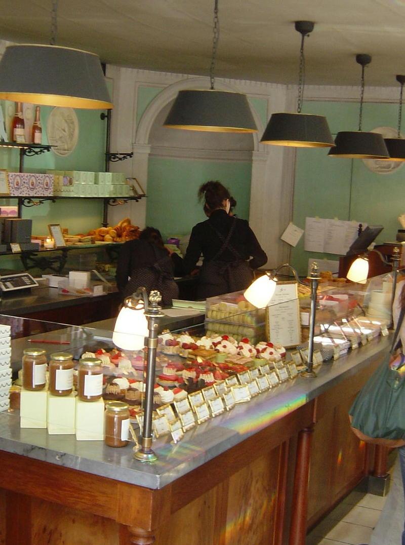 サロンドテ 「ラデュレ」shop